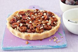 Plum tart with almonds
