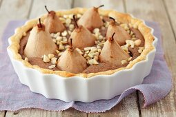Pear tarts with chocolate and almonds