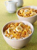 Cornflakes with milk and banana