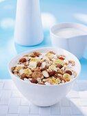 Muesli with raisins, almonds and honey
