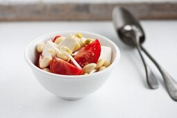 Tomatoes with tofu and bean sprouts