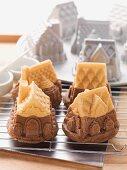 Mini house-shaped cakes