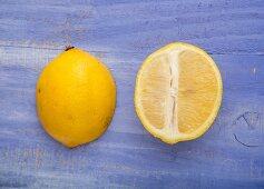 Zitronenhälften