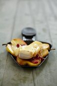 Pear raclette with Camembert