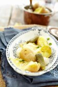 Potato raclette with gherkins