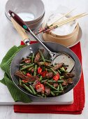 Stir-fried beef with green beans and chilli