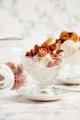 Vanilla ice cream with honeycomb