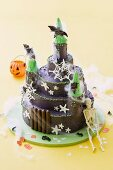 A child's cake (haunted castle) for Halloween