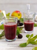 Blackberry and apple drink with mint