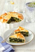 Spinach pie with almonds