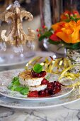 Goat's cheese with cranberry sauce for New Year's Eve