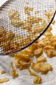 Fried garlic chips
