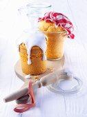 Small lemon cakes, baked in jars