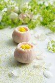 Wagashi shaped like camomile flowers