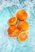 Orangen im Wasser