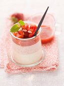 Panna cotta strawberry dessert