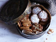 Mini gingerbreads and spice biscuits