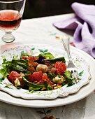 Jerusalem artichoke salad with spinach and pink grapefruit