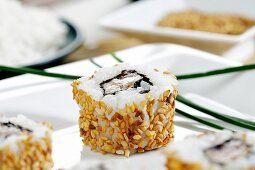 Sesame salmon roll