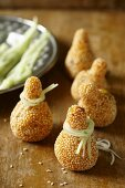Fried pumpkin tops filled with either sesame seeds or chestnuts