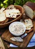 Mackerel cream with crispy raisin bread