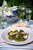 Gratinated green mussels