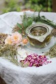 Aromatised women's tea in a tea strainer