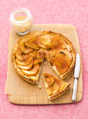 Apple tart with cinnamon, sliced