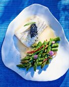 Fish fillet with green asparagus and champagne sauce (see from above)