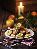 Braised apples with bacon and thyme