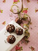 Marzipan confectionery with sugar pearls