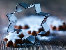 Cinnamon stars with cutters