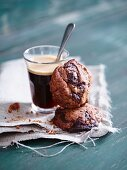 Schokoladenkekse zum Kaffee