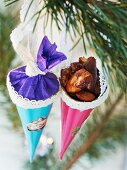 Honey-roasted salted nuts in festive gift bags