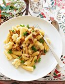 Pasta with chanterelle mushrooms and cauliflower