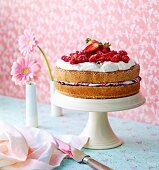 A summery berry cream cake