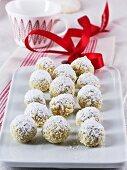 Vanilla pralines with coconut and white chocolate
