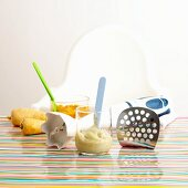 Baby food and kitchen utensils for puréeing