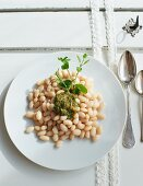 White bean salad with a herb dressing
