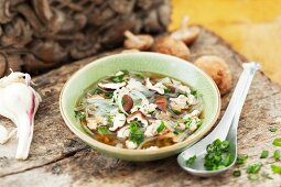 Glass noodle soup with shiitake mushrooms and chicken (Thailand)
