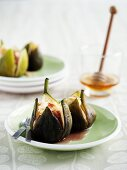 Baked figs with ricotta