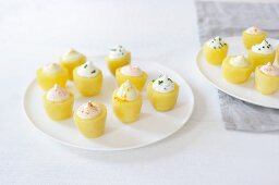 Potatoes filled with cream cheese, chives and paprika