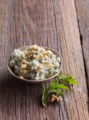 Gorgonzola cream with walnuts