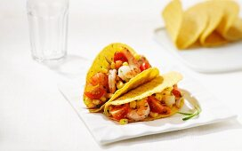Tacos filled with prawns