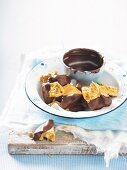 Honeycomb with chocolate glaze for a picnic