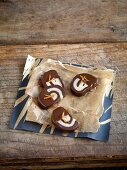 Homemade confectionery: marzipan snails