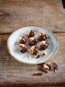 Homemade confectionery: walnut and apricot balls