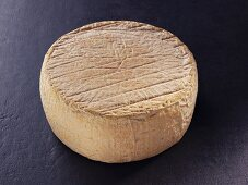 Tomme corse – Corsican sheep's milk cheese