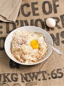 Grated potatoes with shallots and egg