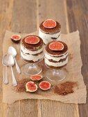 Gingerbread tiramisu with figs